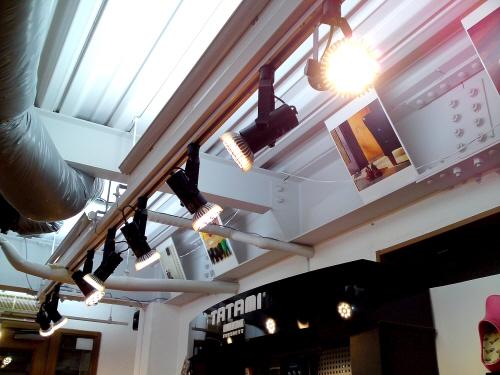 照明の総LED化・・・